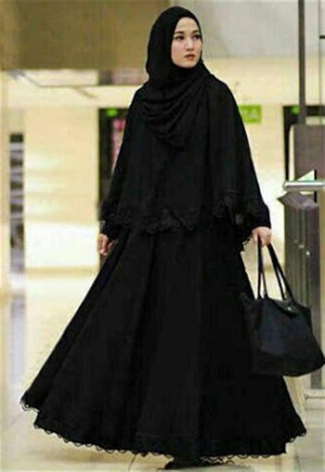 Jilbab Syari Sifon Polos gamis hitam 2 jilbab model 28 images rumah jilbab khairani jahit dan boutique gamis hitam