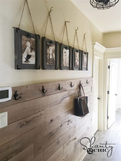 hanging picture 25 best ideas about hanging picture frames on