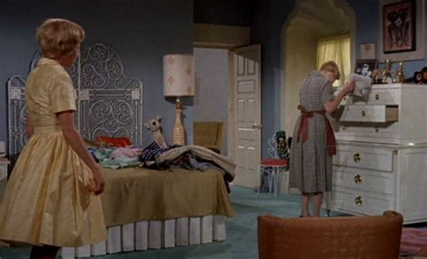 the bedroom trap the original parent trap movie two sisters two houses