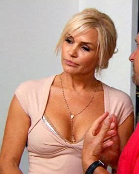 what color is yolanda foster s hair 98 best images about yolanda foster style on pinterest