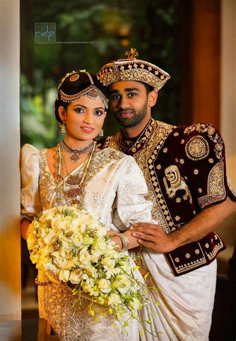 beautyful kandyan bride  bride sri lankan wedding