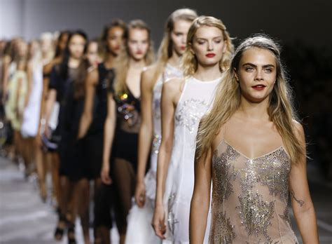Top Model Sightings At Fashion Week by Les Fashion Weeks Et Les Consommateurs Chinois Marketing