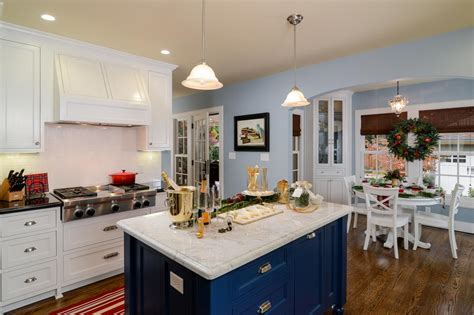 hgtv kitchen islands islands with breakfast bar photos hgtv engaging classic kitchens alinea designs