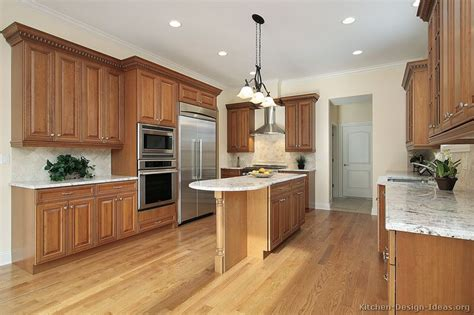 Traditional Kitchens With Islands Pictures Of Kitchens Traditional Medium Wood Cabinets