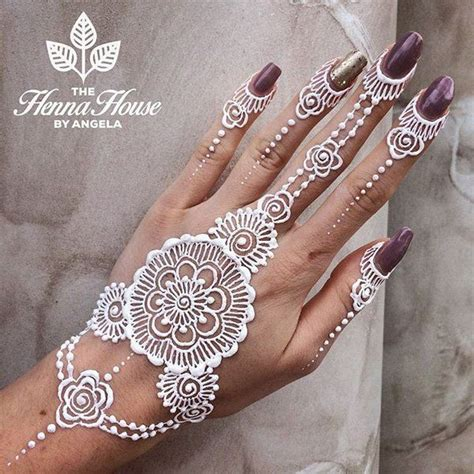 henna tattoo on dark skin 25 amazing white henna designs white henna skin