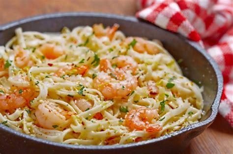 Ail Au Lit by Ces Spaghettis Aux Crevettes Et 224 L Ail Sont 224 Tomber