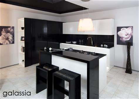 ladari casa moderna illuminazione piano cucina cucina galassia design moderno