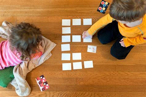 imagenes de niños jugando memoria como aprender mais com o jogo da mem 243 ria educador