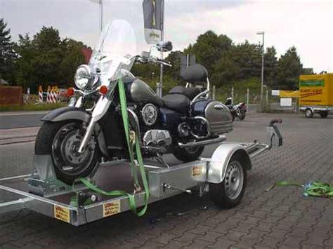 Motorradtransport Verzurren by Motorradanhaenger Motorradanh 228 Nger Motorradtransport