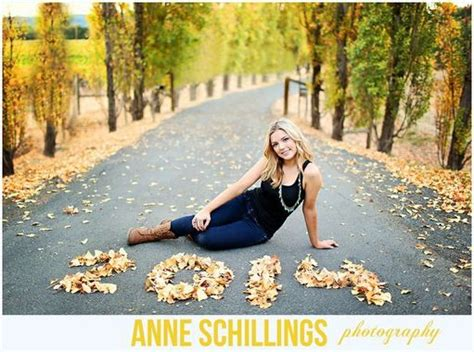 themes for graduation pictures 23 stunning senior picture ideas for girls