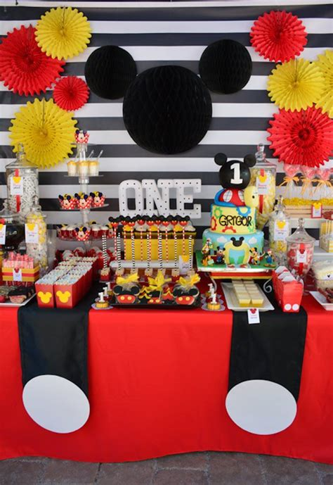 mickey mouse themed decorations 25 best ideas about mickey mouse on