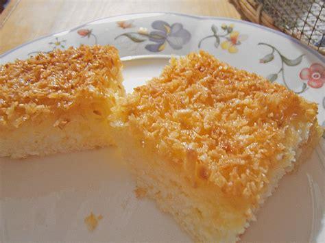 kuchen mit kokos buttermilch kuchen mit kokos rezept mit bild