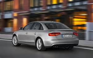 2013 audi a4 rear three quarter in motion photo 23