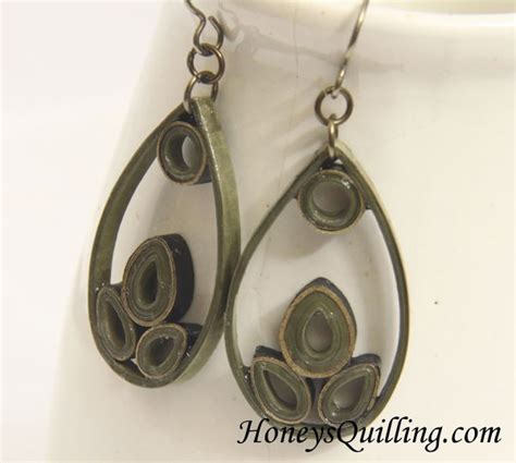 quilling teardrop tutorial paper quilled teardrop earrings free pattern honey s