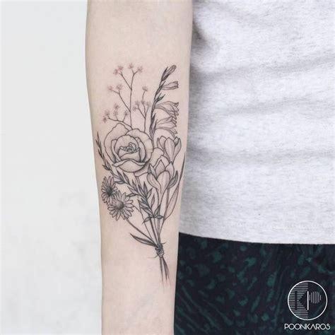 flower bouquet tattoo designs best 25 bouquet ideas on flower