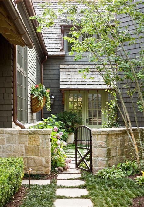 create  welcoming entrance    front door home
