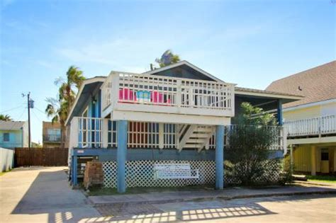 beach house rentals in south padre island top 42 south padre island vacation rentals from 35 vacasa
