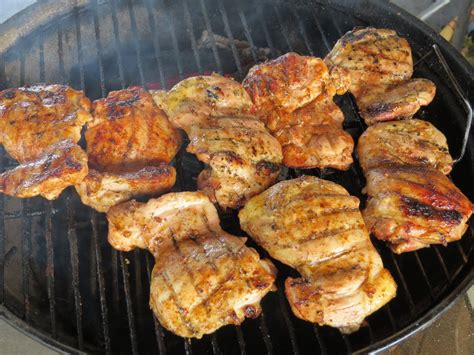 bbq rubs on grilled boneless skinless chicken thighs youtube