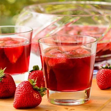 german strawberry wine punch erdbeerbowle magnolia days