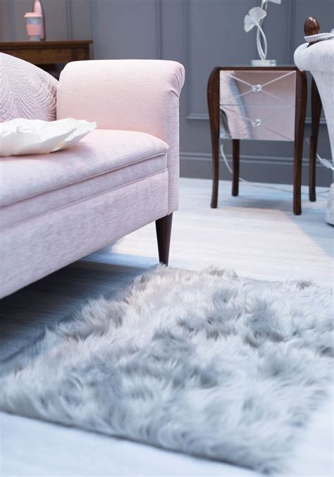 fuzzy rugs for bedrooms best 25 fluffy rug ideas on pinterest fluffy rugs