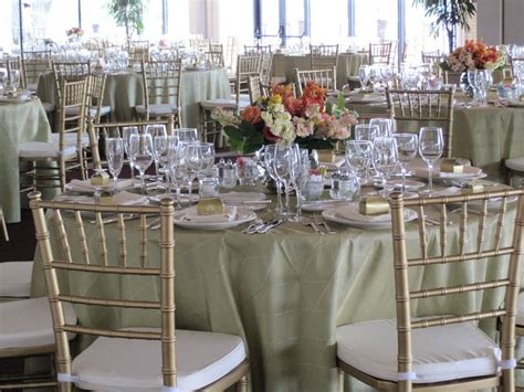 chiavari chairs wedding reception 105 best images about gold chiavari chairs on