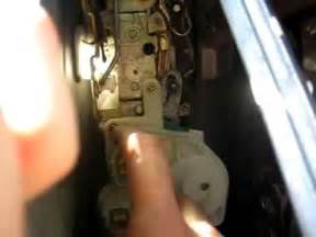 how to replace honda civic si door lock actuator