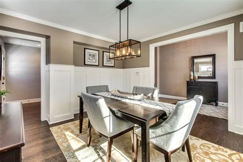 staging a dining room how to stage a dining room table roselawnlutheran