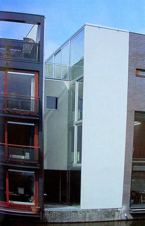 red door borneo house plot  mvrdv