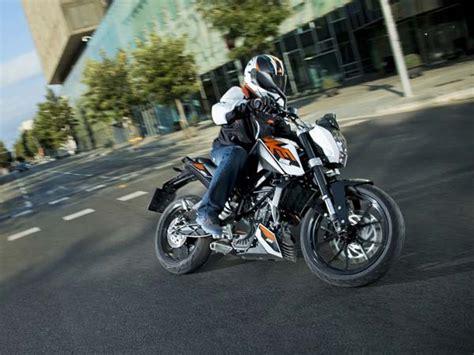 Ktm Duke 200cc Top Speed Top Best 200cc 250cc Bikes In India Power Mileage