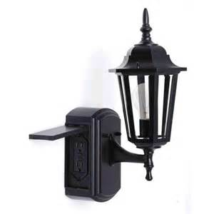 outdoor light fixture with electrical outlet home design - Outdoor Light With Outlet