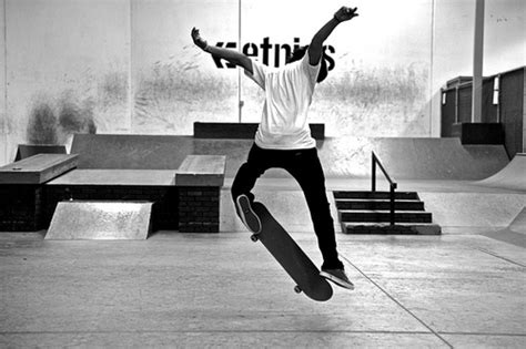 skateboard wallpaper black and white black and white boy skate skateboard image 201483 on