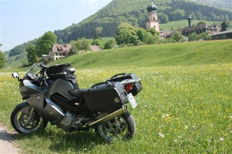 Motorrad Ganzes Jahr Fahren by Motorrad Fahren Im Schwarzwald Breisgau Franz 246 Siche