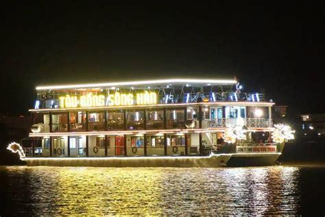 tekne restaurant dinner cruise on han river da nang da nang foodie tour