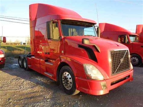 2013 volvo semi truck volvo 2013 sleeper semi trucks