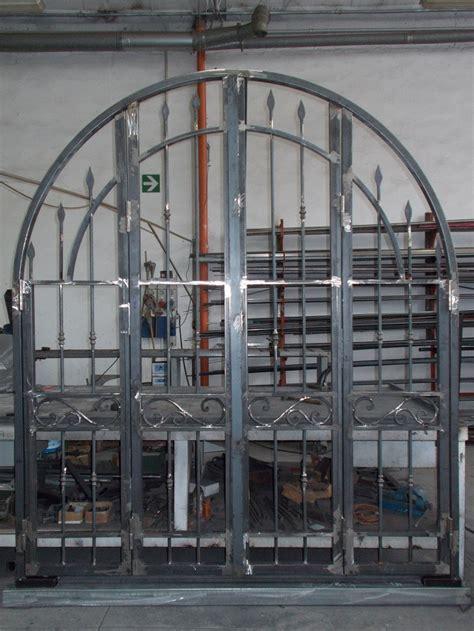 Cancelli In Ferro Battuto Immagini by Foto Cancelli In Ferro Battuto Cancello In Ferro
