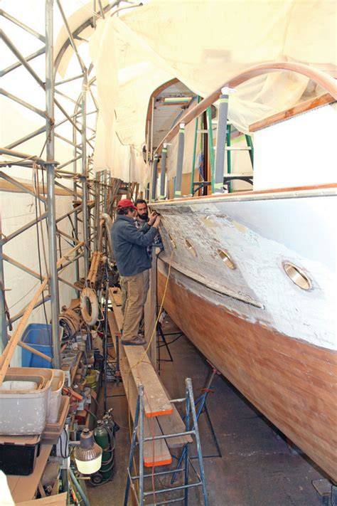 boat building portsmouth built on tradition rhodybeat