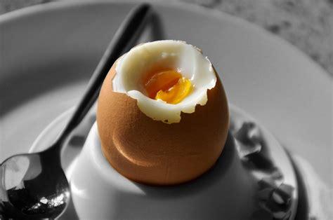 Ei Weich Kochen Wie Lange by Eier Kochen So Lange Dauert Das Harte Und Weiche Ei