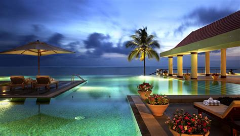 what is luxury hotels