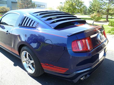 mustang rear window louver 2005 2014 mustang mrt rear window louver 12a044