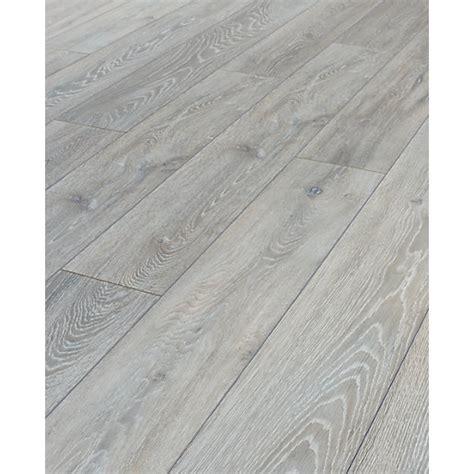 Wickes Shimla Oak Laminate Flooring   Wickes.co.uk