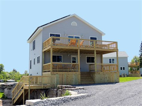 5 bedroom beach house 5 bedroom vacation homes thousand islands cottage rentals angel rock lodge
