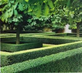Landscape Ideas Using Boxwoods Boxwood Hedge Garden Ideas Landscape Design