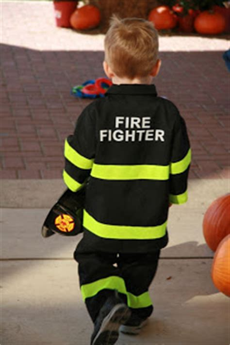 cute i need to redecorate my sons fireman s bedroom to the barefoot bradford s way cute firefighter