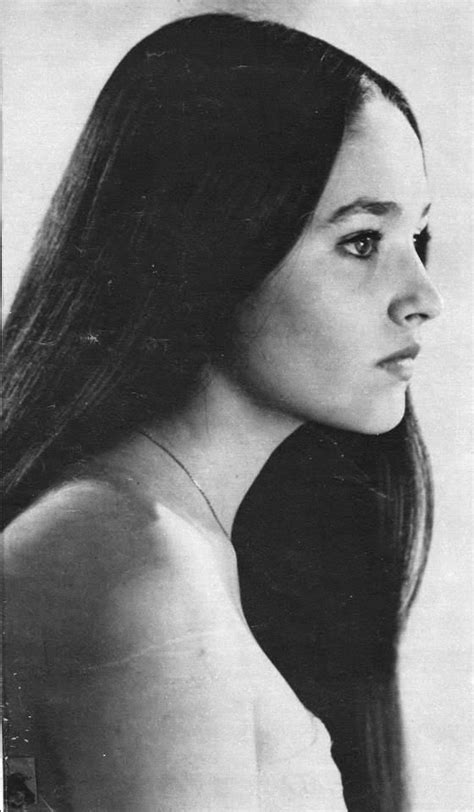 romeo and juliet hairstyles 17 best images about olivia hussey on pinterest school hairstyles blue dresses and romeo and