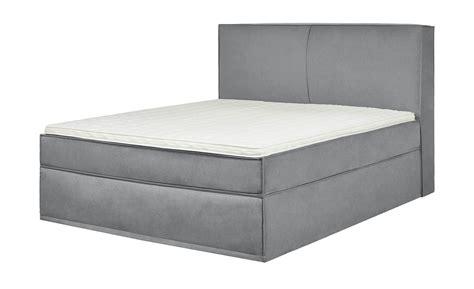 günstig matratze kaufen schwarz mit lila farbe wohnzimmer