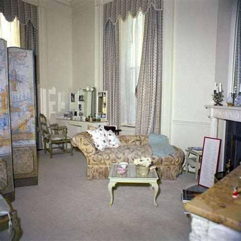 kn c21506 first lady jacqueline kennedy s bedroom white jackie kennedy s dressing room in january 1962 jackie