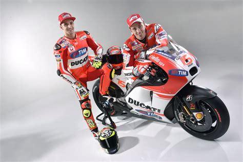 New Moto Gp 15 2015 Ducati Desmosedici Bike 1 12 04 Andrea Dovis Ducati Unveils New Gp15 Desmosedici Mcn