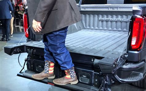 2019 Gmc New Tailgate by 2019 Gmc Multipro Tailgate Exclusive Option