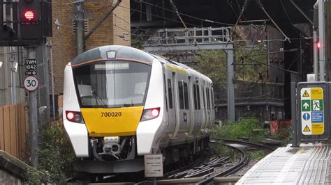 hendon thameslink thameslink class 700020 departure farringdon for luton