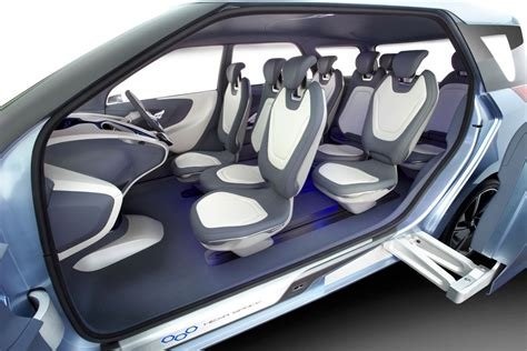 space seating hyundai hnd 7 hexa space concept revealed photos 1 of 9